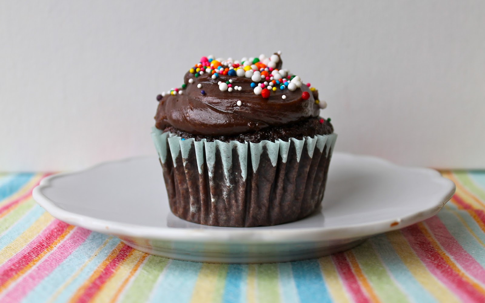 Healthy Chocolate Cupcakes  Yammie s Noshery Secretly Healthy Chocolate Peanut Butter