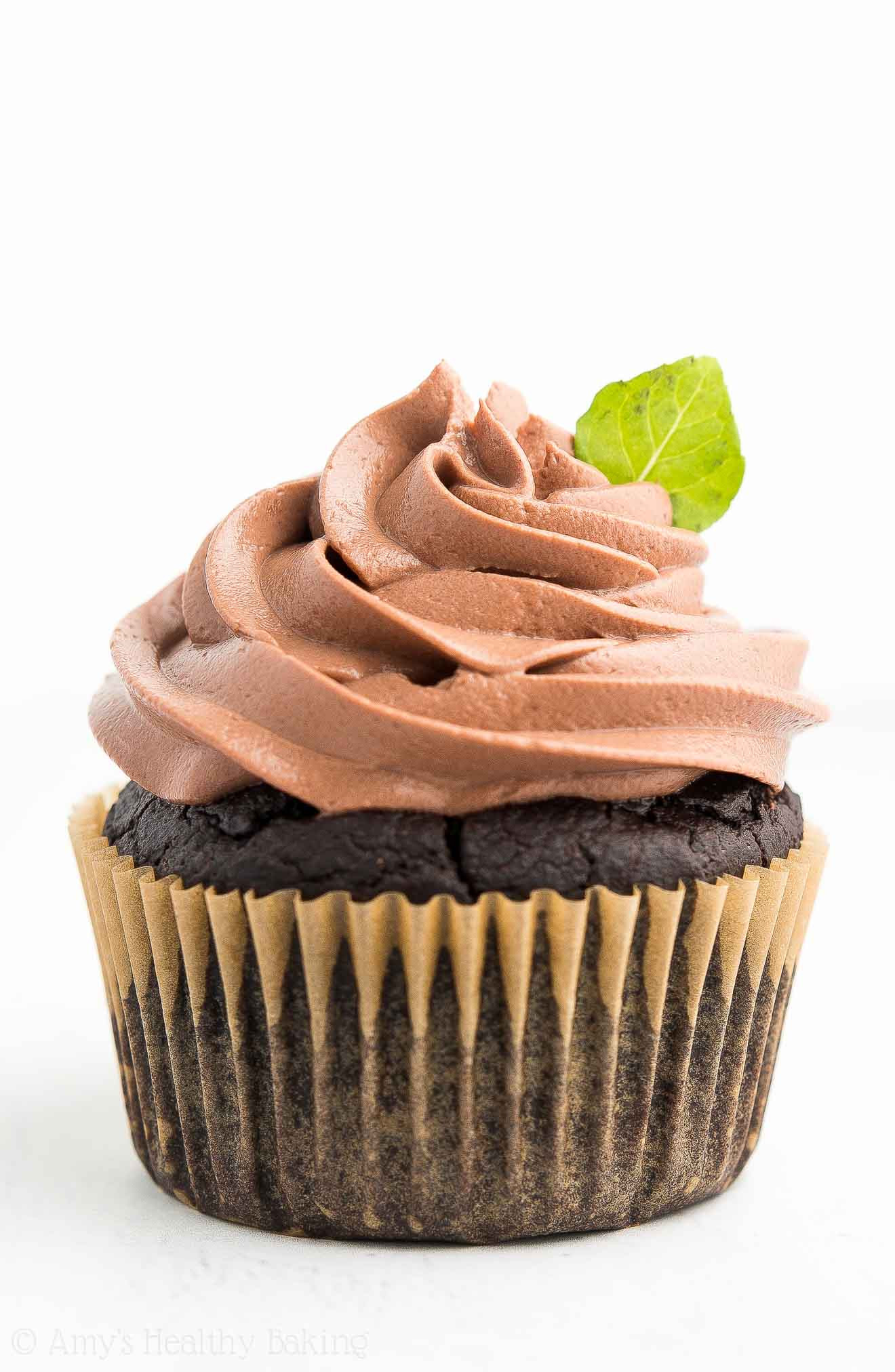 Healthy Chocolate Cupcakes  Healthy Mint Chocolate Cupcakes