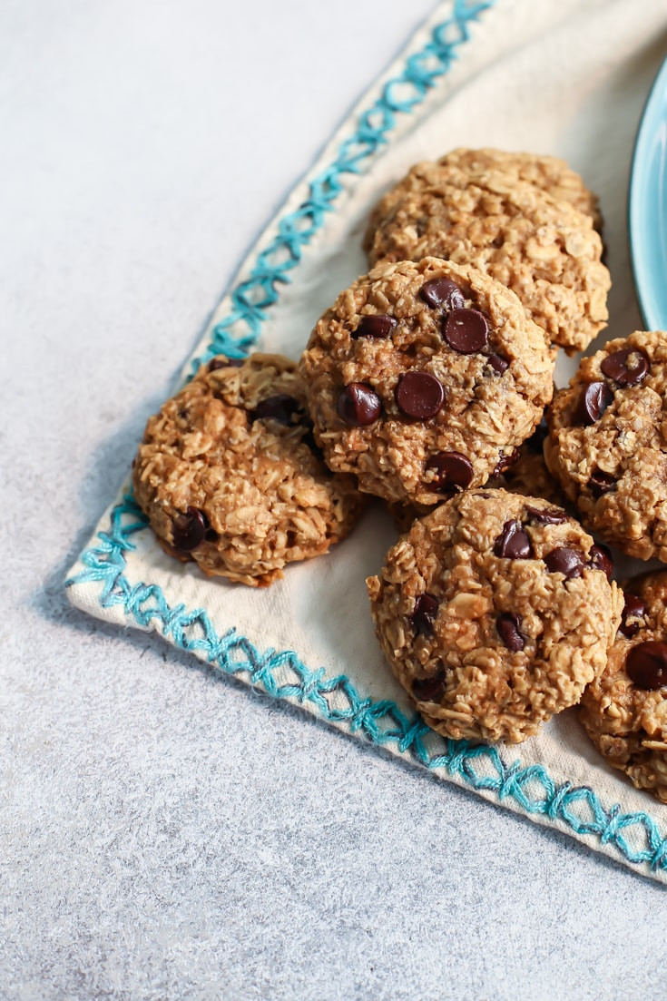 Healthy Chocolate Peanut Butter Cookies  Healthy Peanut Butter Oatmeal Cookies with Chocolate Chips