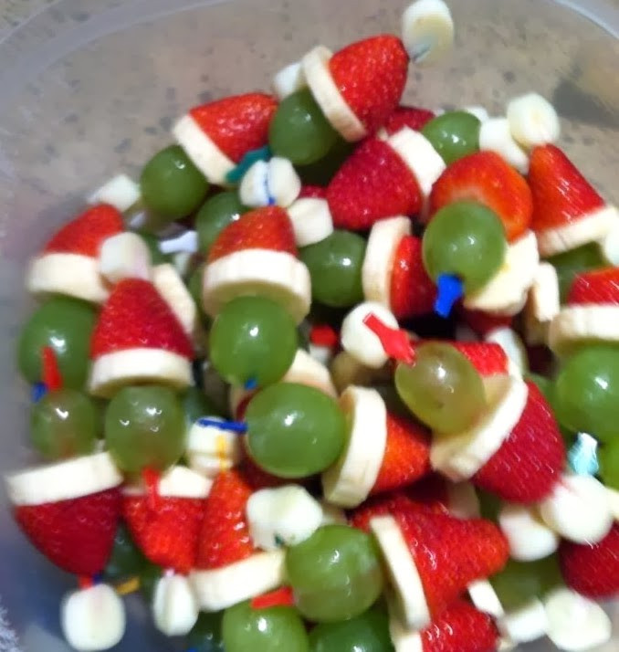 Healthy Christmas Party Snacks  Healthy Fruit Grinch Party Poppers Yummi Recipes