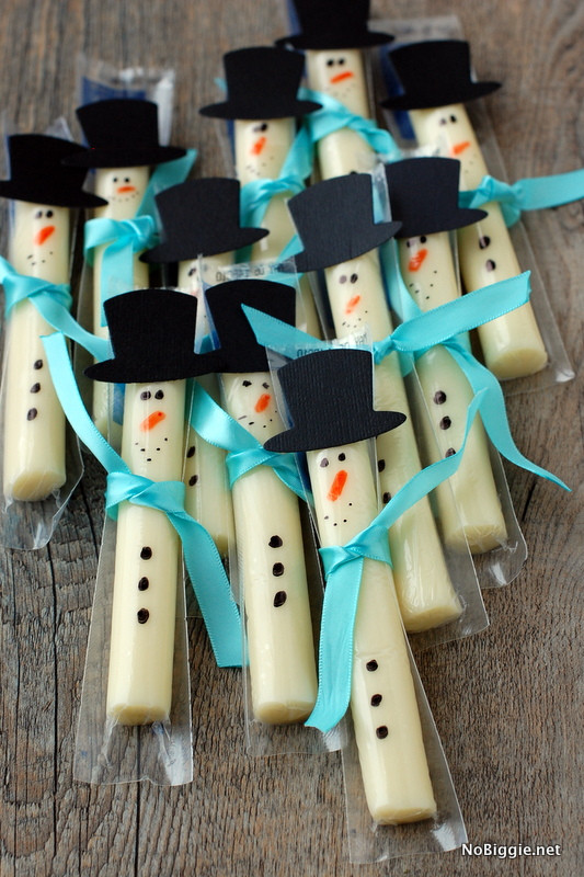 Healthy Christmas Snacks For School Parties  String cheese snowmen