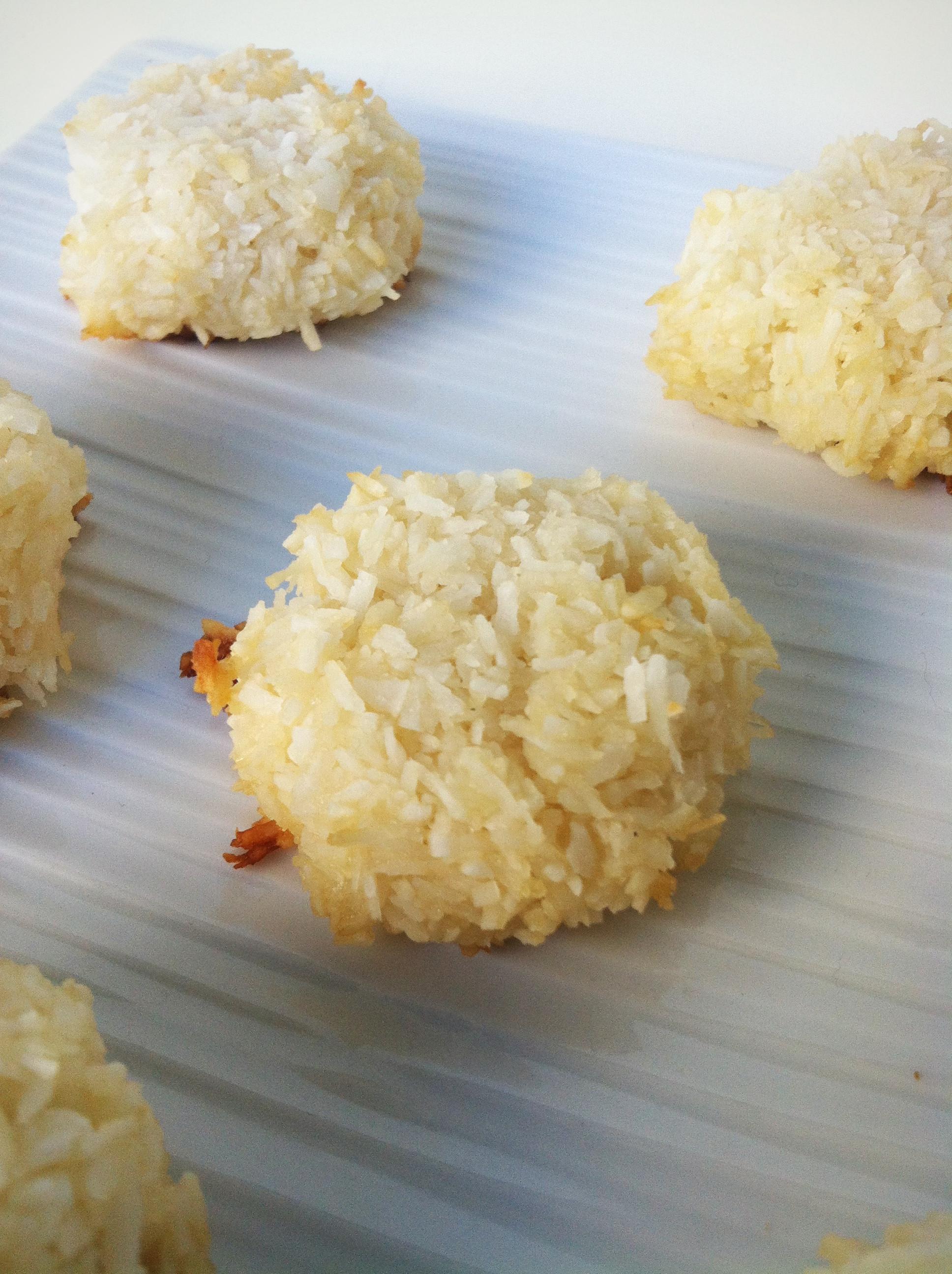 Healthy Coconut Macaroons Recipe  Clean Eating Coconut Macaroons