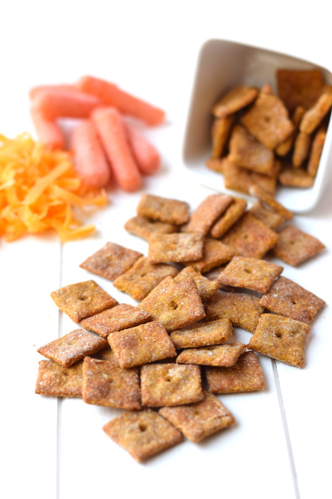 Healthy Cracker Snacks  4 Ingre nt Cheesy Carrot Crackers