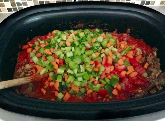 Healthy Crock Pot Recipes With Ground Beef  Paleo Crockpot Chili Recipe