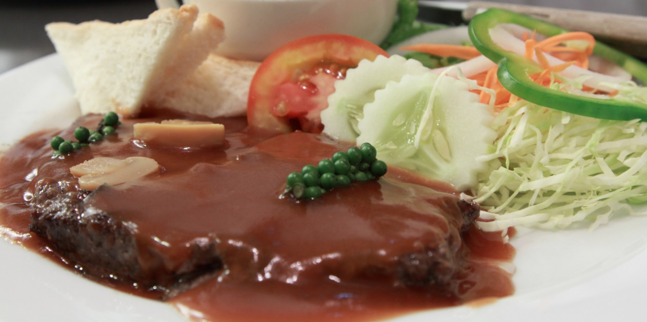 Healthy Cube Steak Slow Cooker Recipes  Get Crocked – Slow Cooker All Day Cube Steaks with Gravy