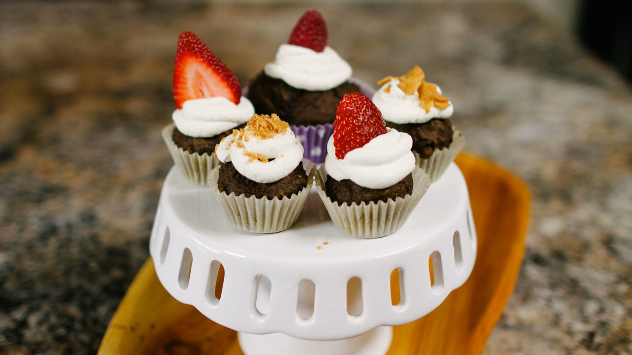 Healthy Cupcakes For Kids  Video Blog Can Healthy Cupcakes Still be Yummy for your