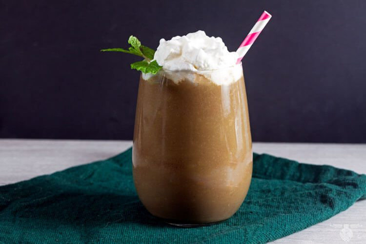 Healthy Dessert Smoothies  Chocolate Peppermint Green Smoothie Healthy Delicious