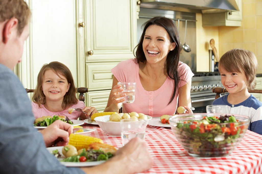 """Healthy Dinners Kids Will Eat  Diet Tips from """"My Diet Is Better Than Yours"""""""