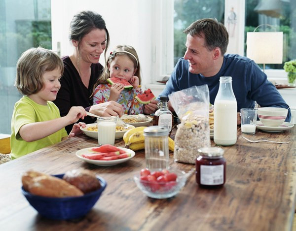 Healthy Family Breakfast  Why Family Meals Matter
