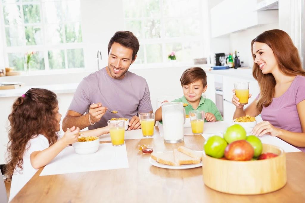 Healthy Family Breakfast  L odore della famiglia che vorrei Mo te Lo Spiego a Papà