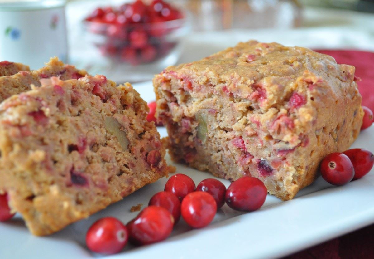 Healthy Fresh Cranberry Recipes  Easy Cranberry Bread Recipe with Bisquick A Cranberry