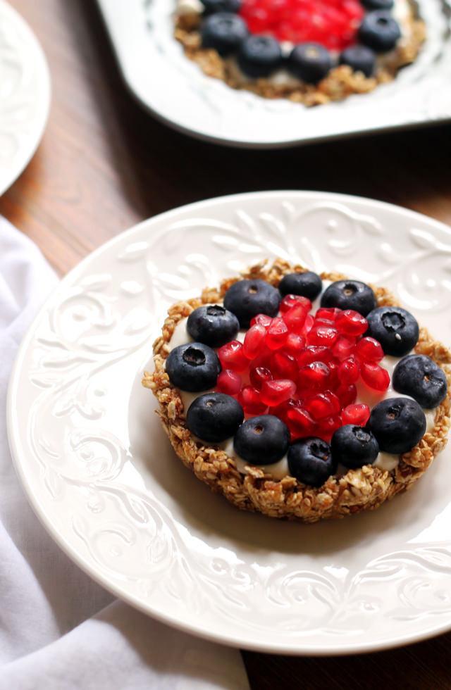 Healthy Fruit Breakfast  Healthy Breakfast Fruit and Granola Tarts
