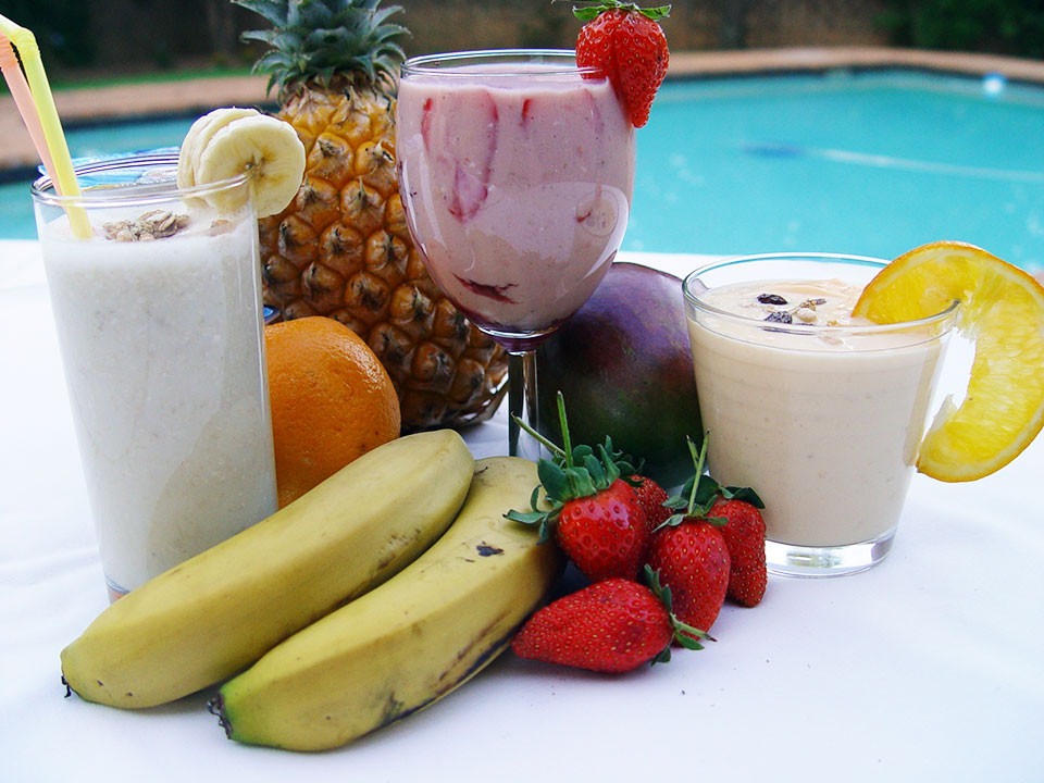 Healthy Fruit Smoothies For Weight Loss  How to make healthy smoothies and shakes for weight loss