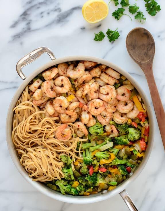 Healthy Garlic Shrimp Pasta  Healthy Garlic Shrimp Pasta