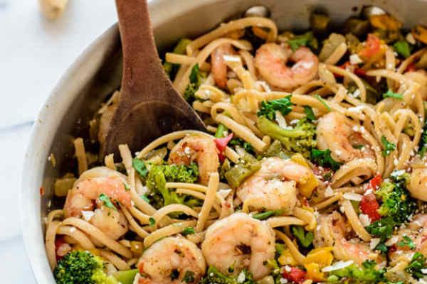 Healthy Garlic Shrimp Pasta  Healthy Garlic Shrimp Pasta Recipe