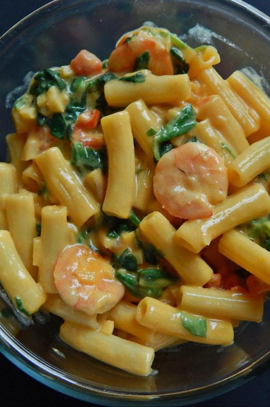 Healthy Garlic Shrimp Pasta  Quick and Healthy Garlic Shrimp Pasta with Spinach