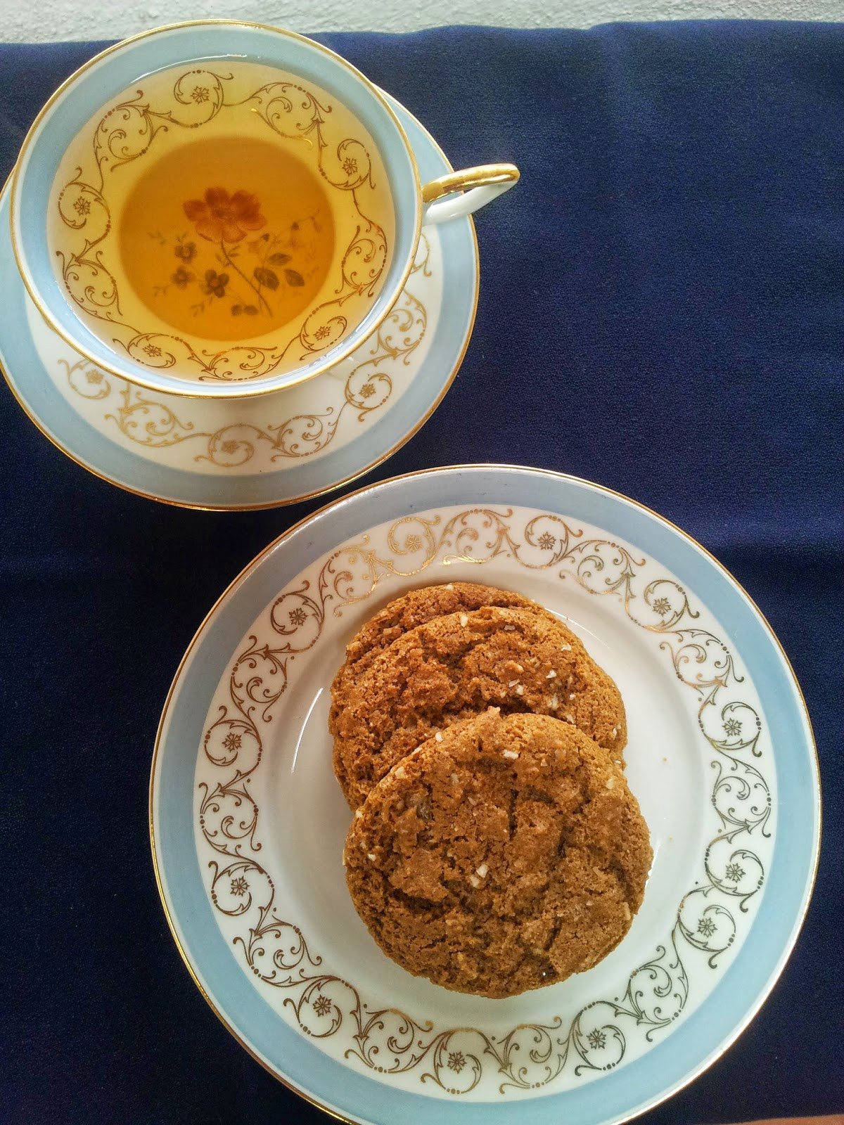 Healthy Ginger Molasses Cookies  red or green Healthy Ginger Molasses Cookies