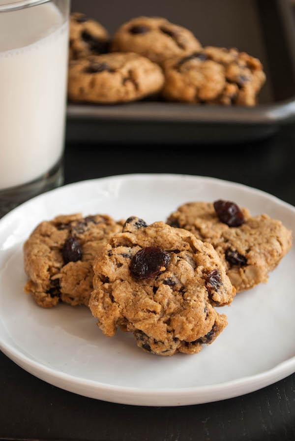 Healthy Gluten Free Oatmeal Cookies  18 Craveable Gluten Free Vegan Christmas Cookies Fooduzzi
