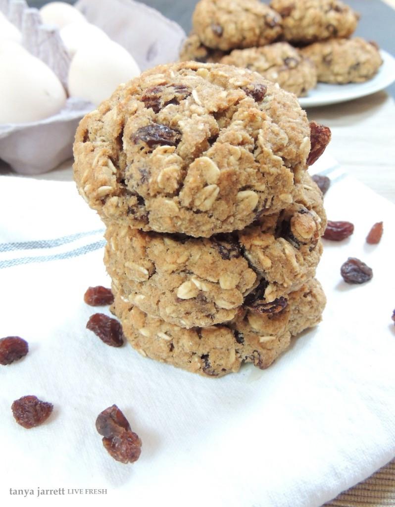 Healthy Gluten Free Oatmeal Cookies  Healthy & Gluten Free Oatmeal Raisin Cookies Live Fresh