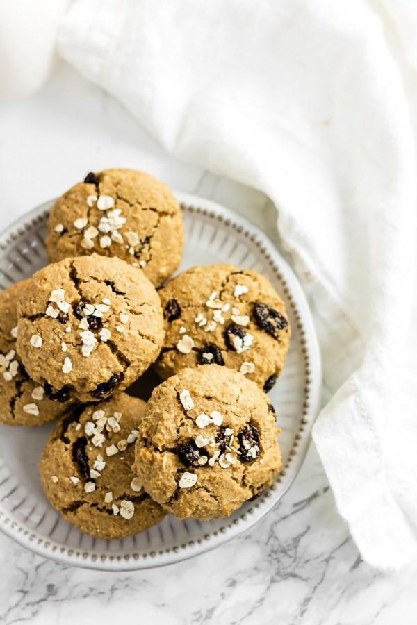 Healthy Gluten Free Oatmeal Cookies  Healthy Chewy Gluten Free Oatmeal Raisin Cookies Refined