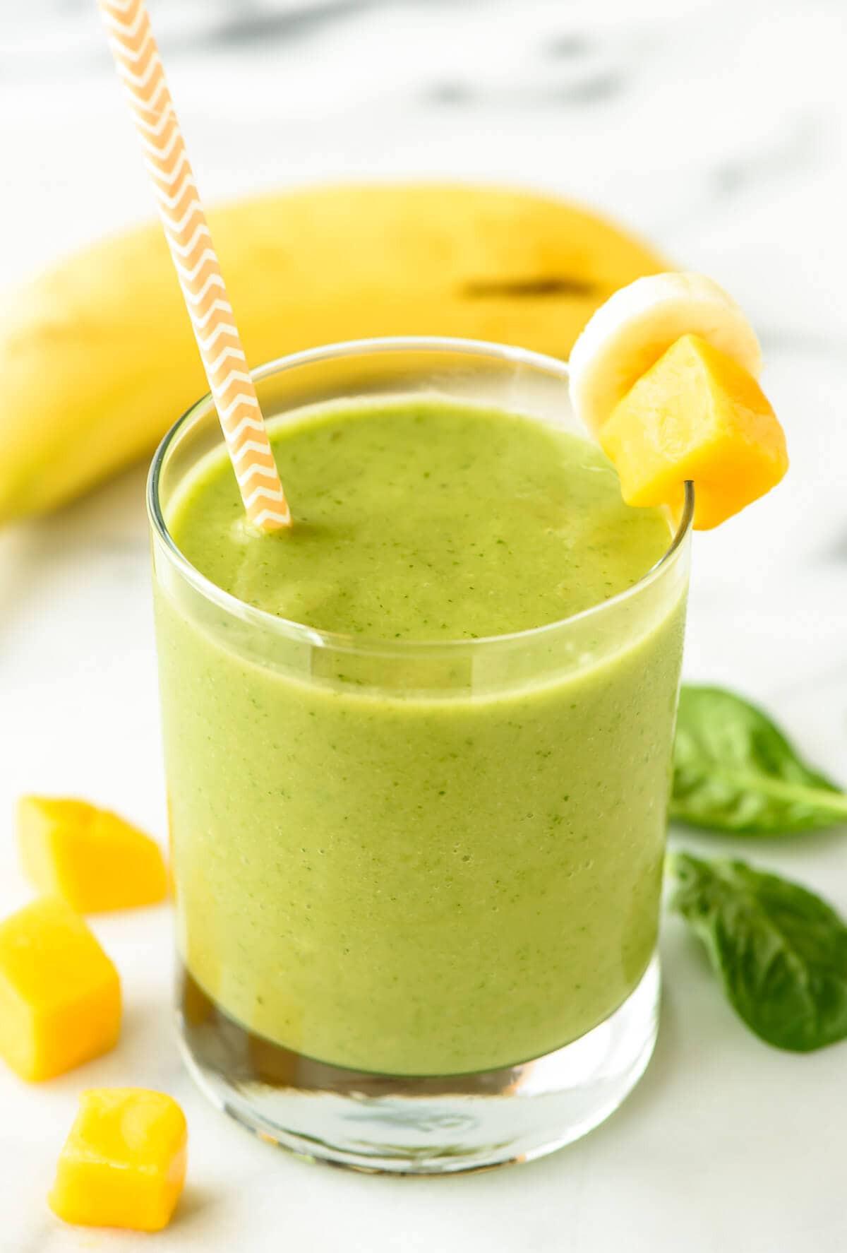 Healthy Green Smoothies  4 Ingre nt Mango Green Smoothie