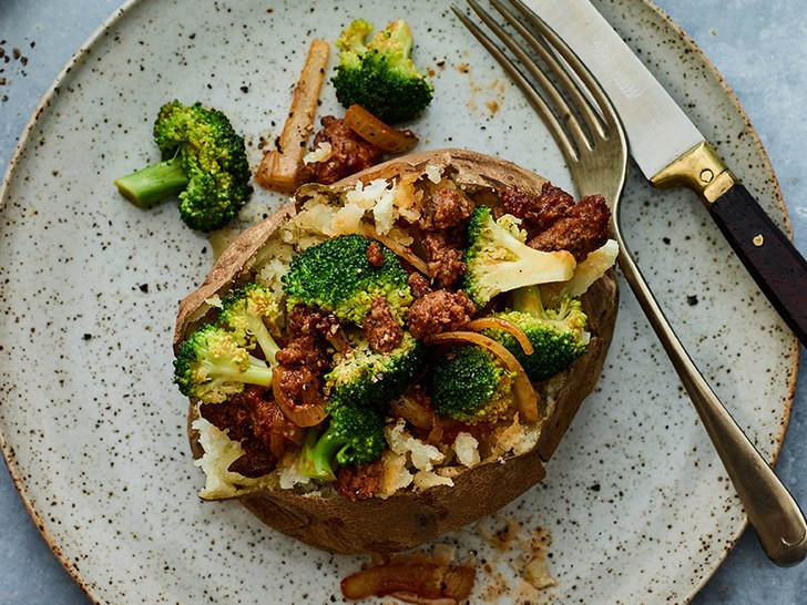 Healthy Ground Beef And Broccoli Recipe  Baked Potato With Ground Beef and Broccoli Recipe