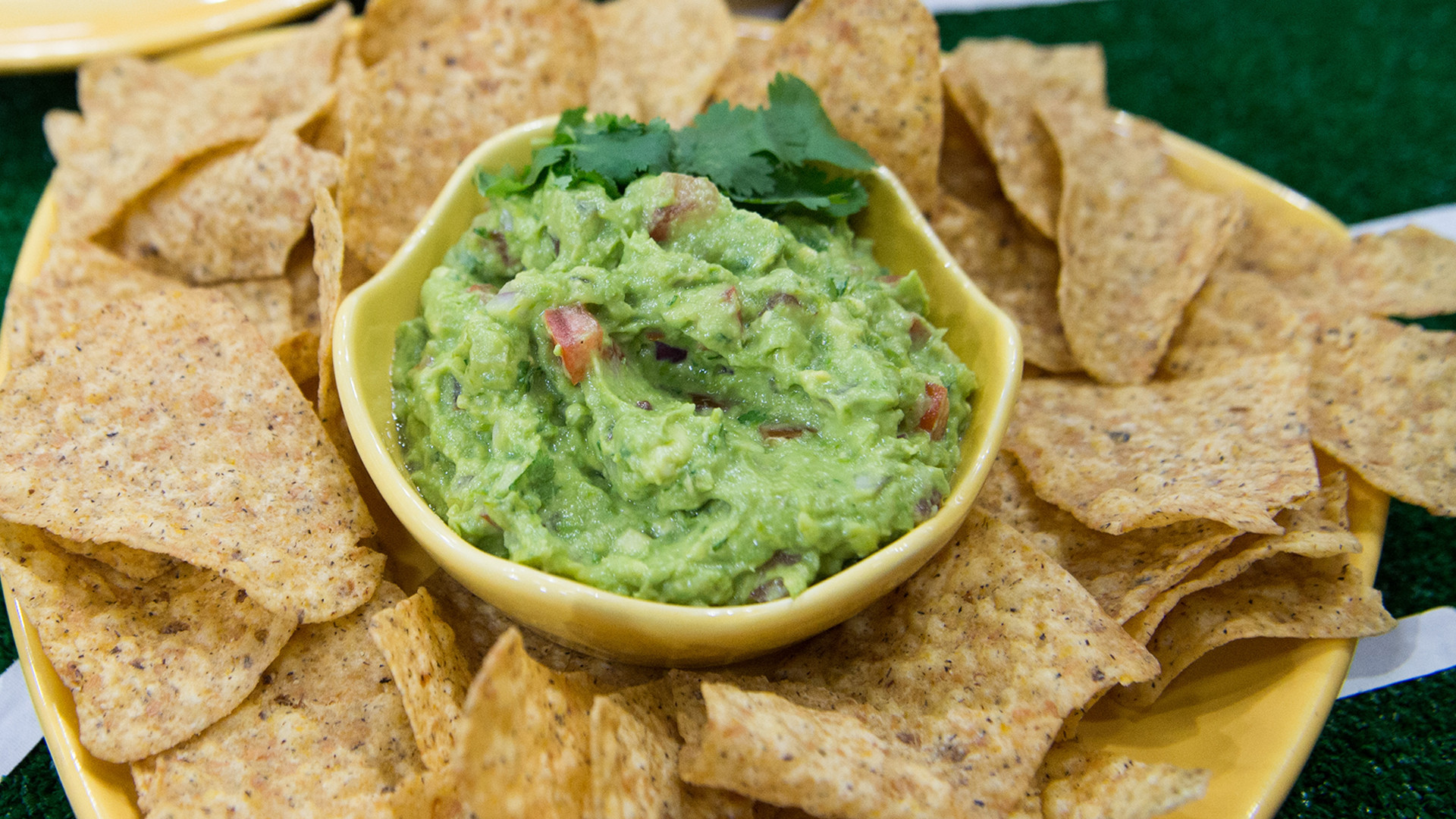 Healthy Guacamole Snacks  Healthy Guacamole TODAY