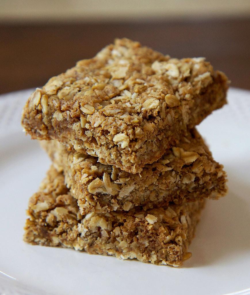 Healthy Homemade Breakfast Bars  Gluten Free Oatmeal Protein Bars