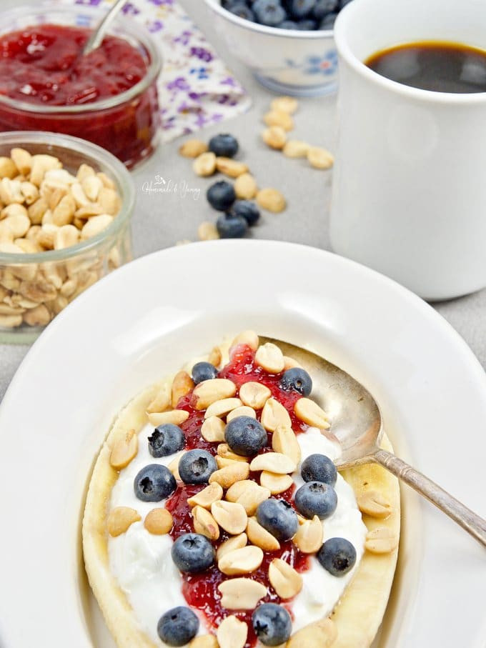 Healthy Homemade Breakfast  Healthy Banana Split Breakfast Recipe