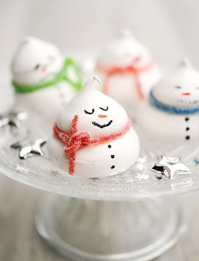 Healthy Meringue Cookies  Snowman Meringue Cookie – Healthy Christmas Party Sweet