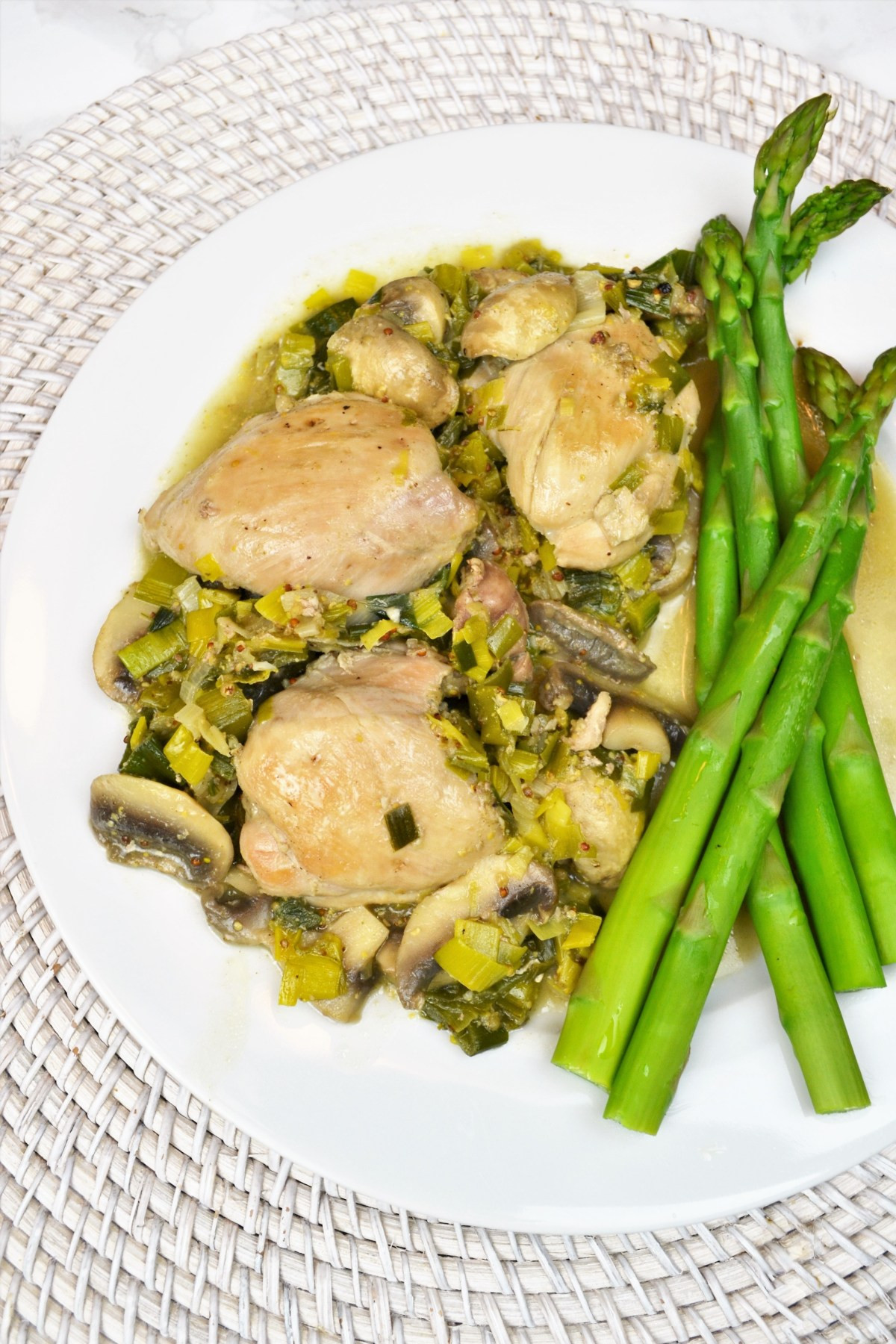 Healthy Mushroom Recipes For Weight Loss  Healthy Mushroom Leek and Chicken Thigh Recipe Weight