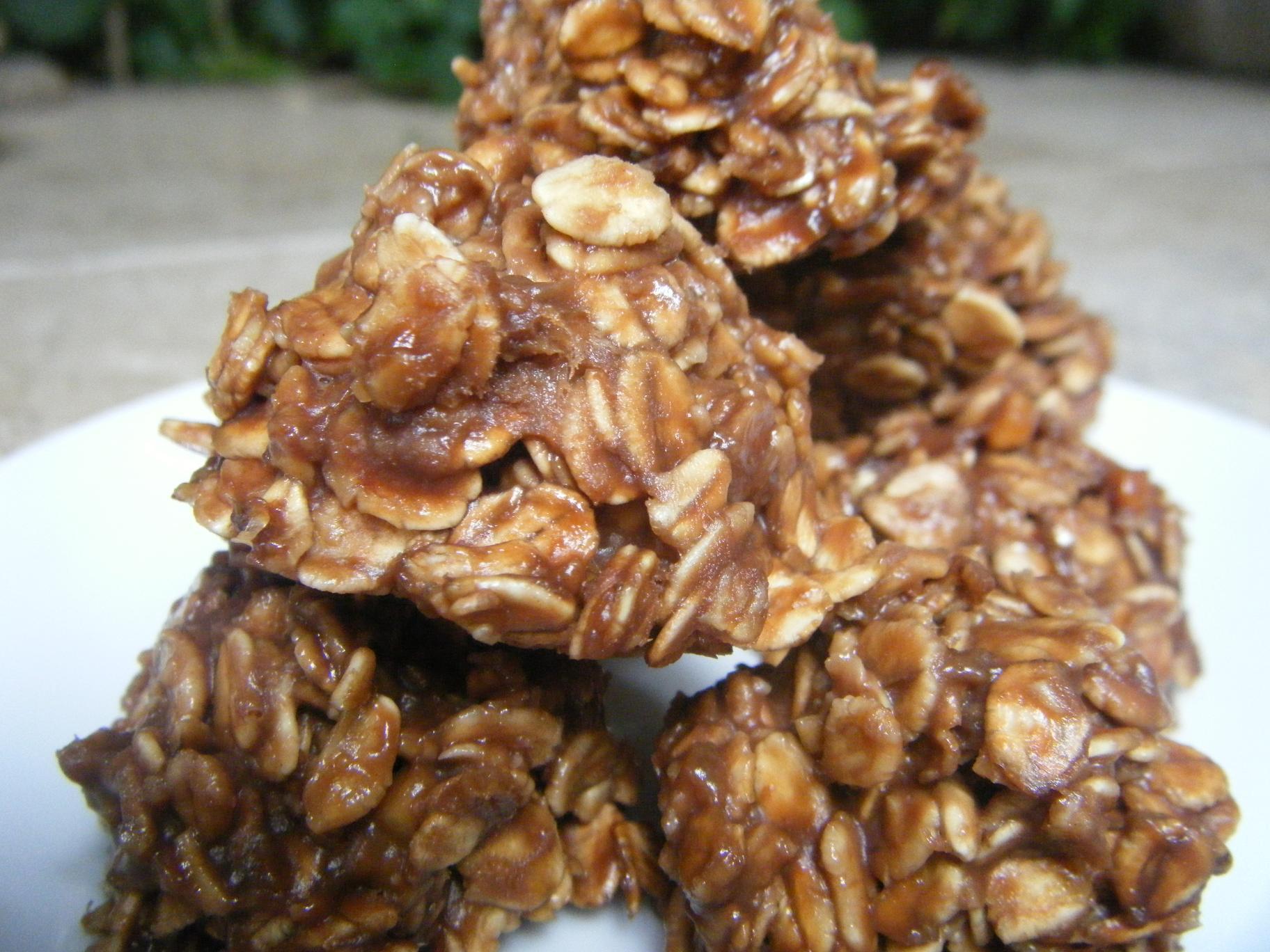 "Healthy No Bake Banana Oatmeal Cookies  ""No Bake"" Chocolate Peanut Butter Banana Cookies with Oats"