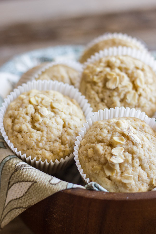 Healthy Oatmeal Banana Muffins With Applesauce  Healthy Applesauce Oat Muffins Lovely Little Kitchen