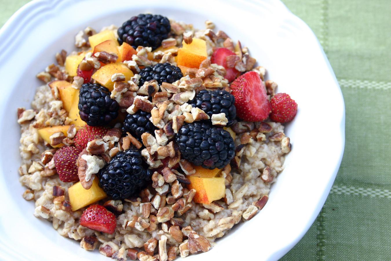 Healthy Oatmeal Breakfast  Balanced Weekend Breakfasts Yum