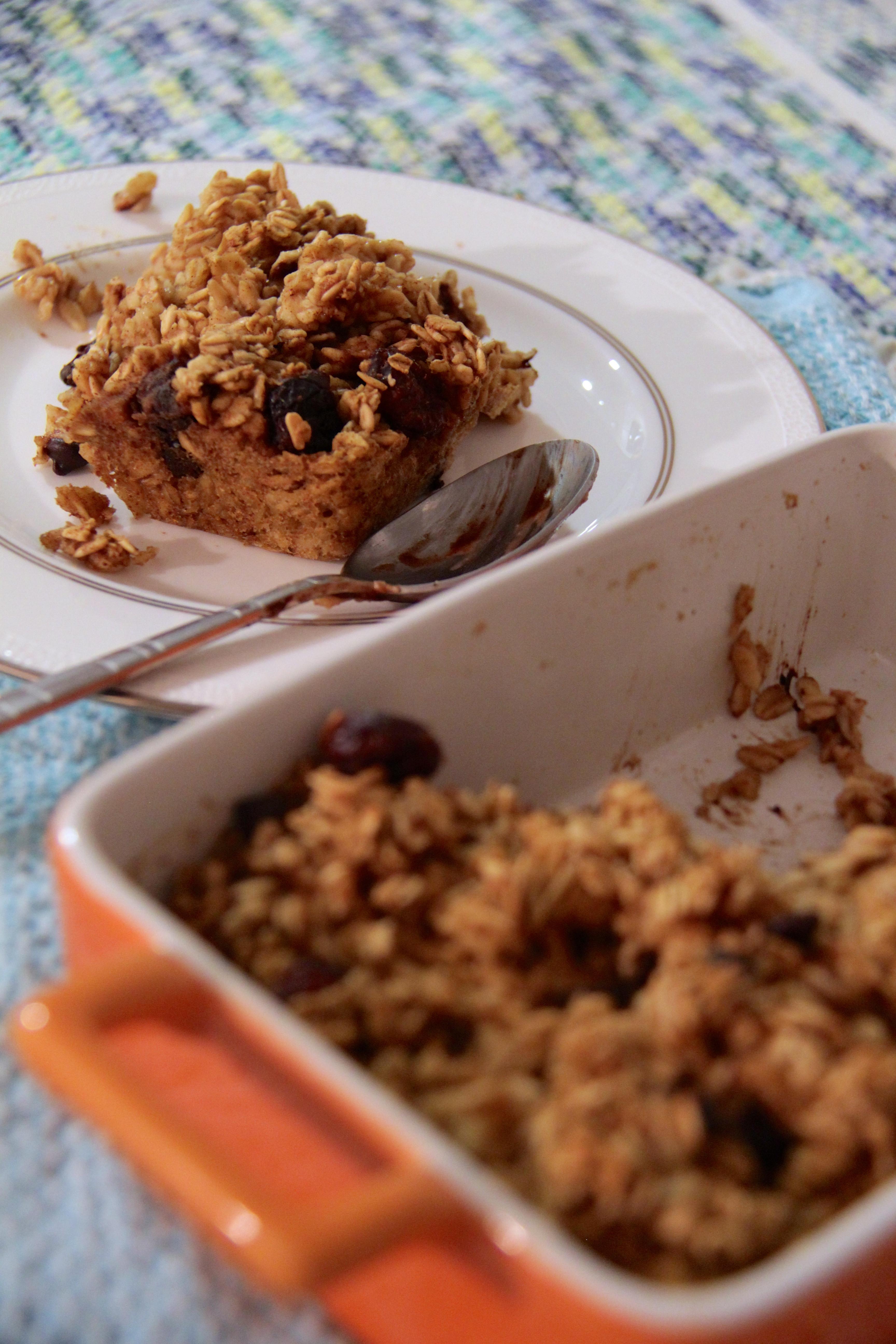 Healthy Oatmeal Breakfast  Healthy and Pretty Darn Tasty Oatmeal Breakfast Bake