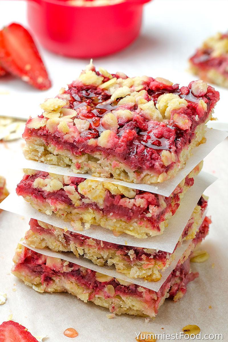 Healthy Oatmeal Breakfast Bars Recipe Easy  Healthy Breakfast Strawberry Oatmeal Bars Recipe from