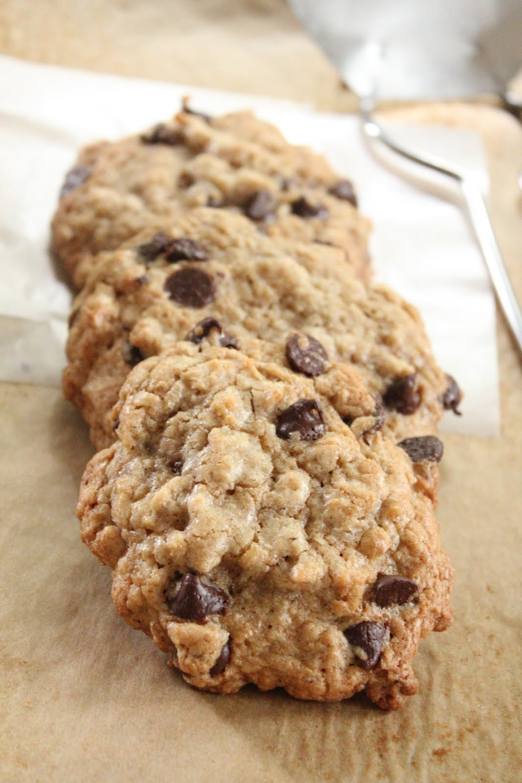 Healthy Oatmeal Chocolate Chip Cookies  Ultimate healthier oatmeal and chocolate chip cookies