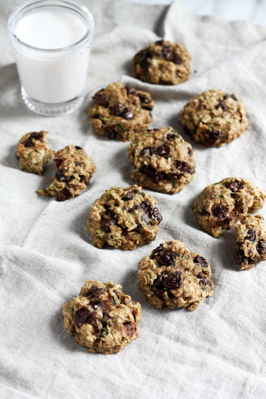 Healthy Oatmeal Chocolate Chip Cookies  Healthy Chocolate Chip Zucchini Oatmeal Cookies