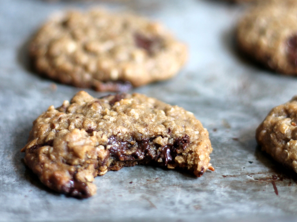 Healthy Oatmeal Cookies With Coconut Oil  Chewy Chocolate Chunk Coconut Oatmeal Cookies made with