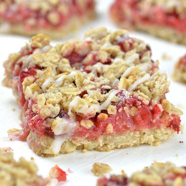 Healthy Oatmeal Desserts  Easy Skinny Strawberry Oatmeal Bars OMG Chocolate Desserts