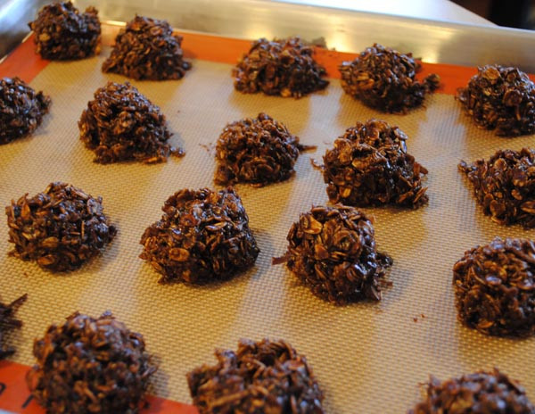 """Healthy Oatmeal Desserts  Healthy Oatmeal Cookies """" y in White"""" Cookies"""