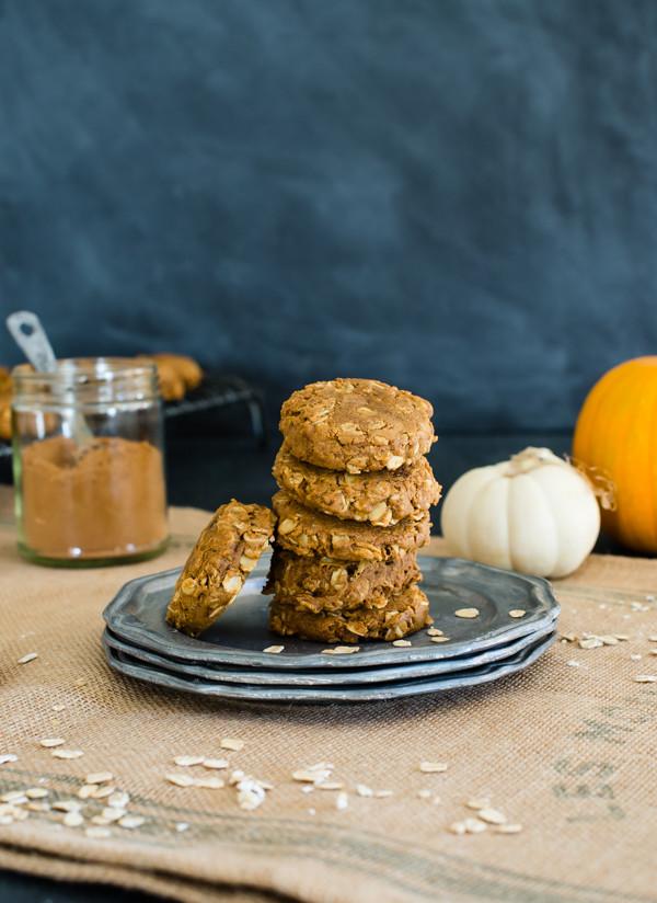 Healthy Oatmeal Molasses Cookies  Pumpkin Oatmeal Molasses Cookies