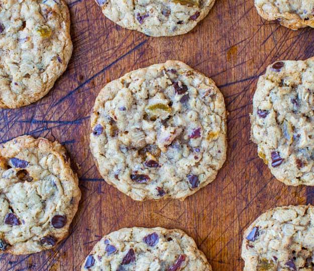 Healthy Oatmeal Raisin Chocolate Chip Cookies  Healthy Oatmeal Chocolate Chip Cookies