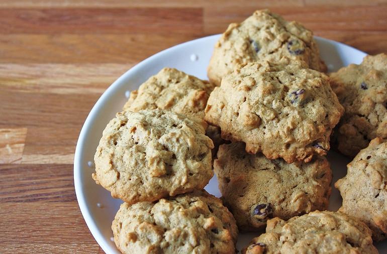 Healthy Oatmeal Raisin Cookies Applesauce  Caitlin s Applesauce Raisin Oatmeal Cookies Keepin It Kind