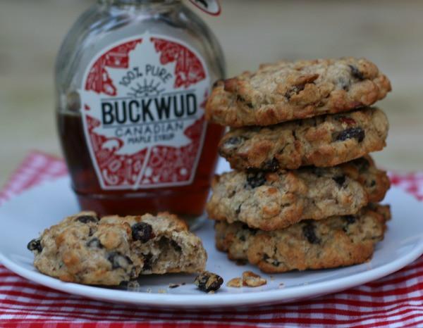 Healthy Oatmeal Walnut Cookies  Healthy oat raisin walnut cookies
