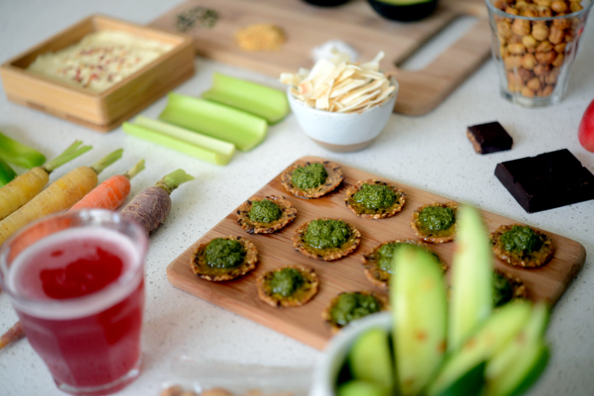 Healthy Office Snacks  Nutritionist Know How Healthy Snacks for the Cupcakes and