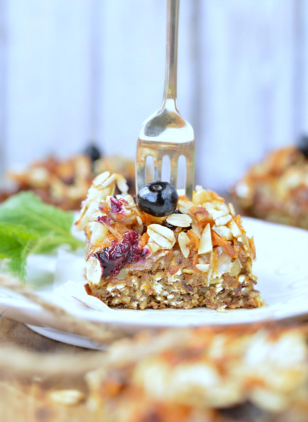 Healthy On The Go Breakfast Bars  Carrot Cake Baked Oatmeal Bars Healthy breakfast
