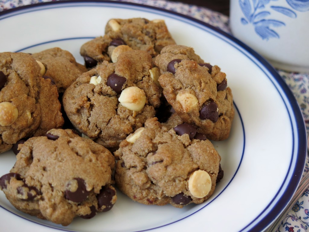Healthy Peanut Butter Chocolate Chip Cookies  Healthier Peanut Butter Chocolate Chip Cookies