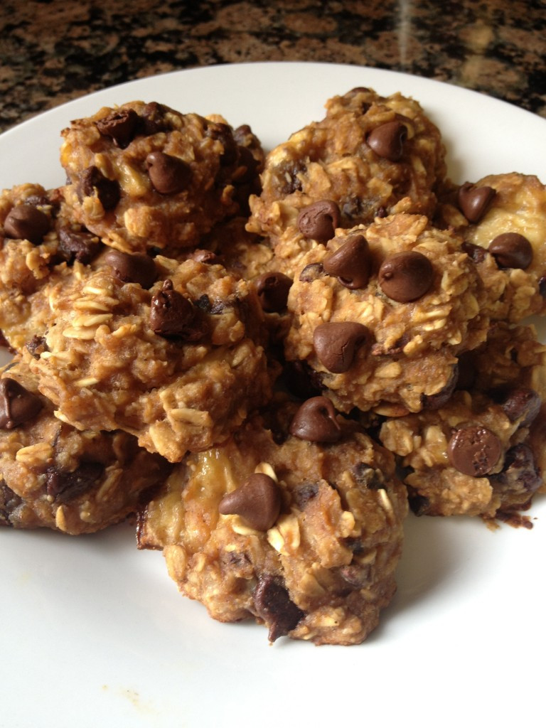 Healthy Peanut Butter Oatmeal Chocolate Chip Cookies  Healthy Peanut Butter Chocolate Chip Oatmeal Cookies