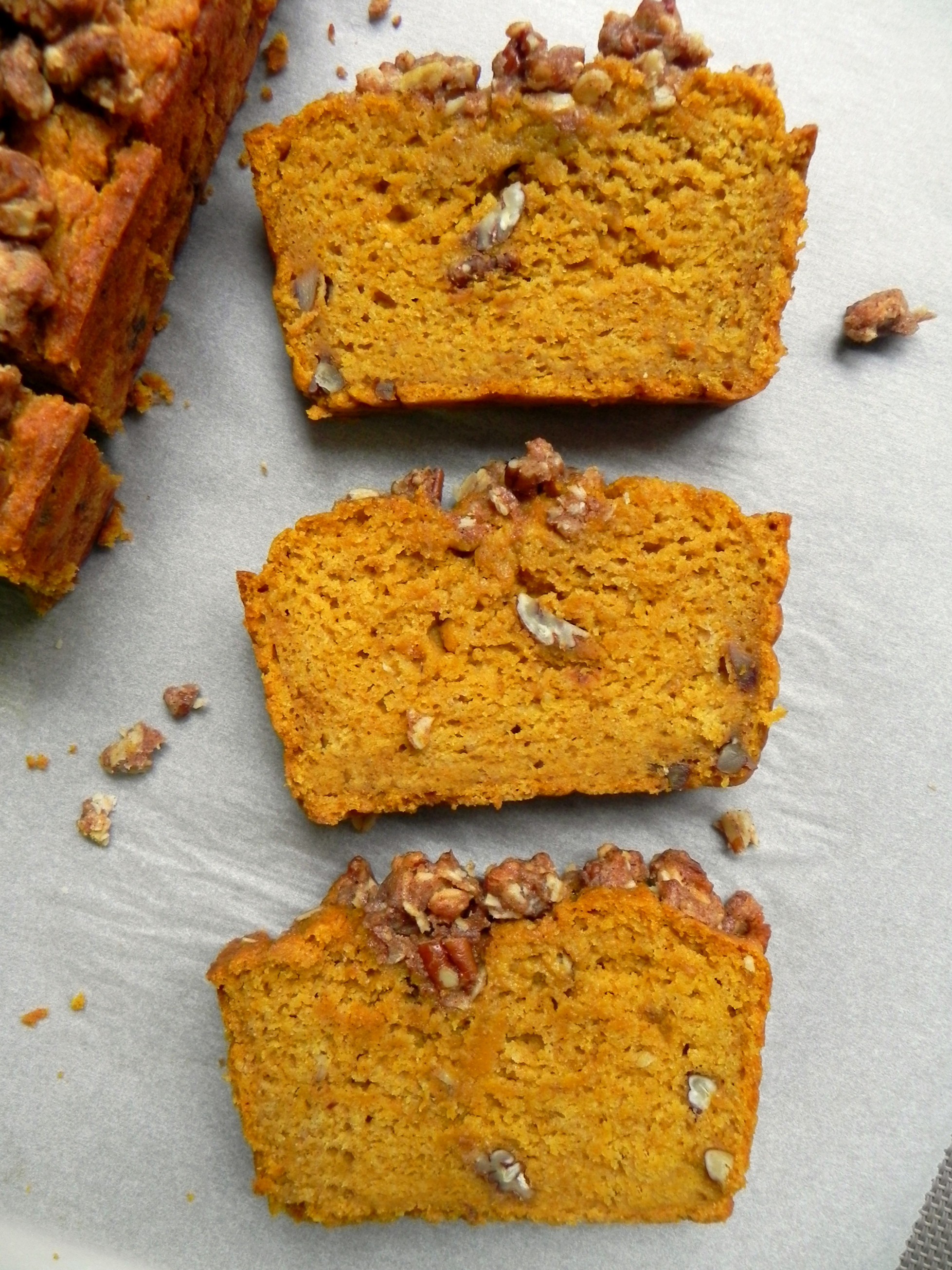 Healthy Pumpkin Bread Recipe With Canned Pumpkin  Healthy Pumpkin Bread with Maple Pecan Crumble Vegan